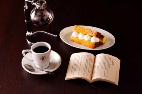 本と珈琲 梟書茶房 エソラ 池袋 カフェ
