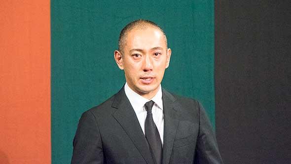 会見を開いた市川海老蔵さん
