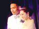 """平愛梨&長友佑都、結婚式の写真を公開 """"ひまわりのドレス""""姿に「イメージにピッタリ」の声"""