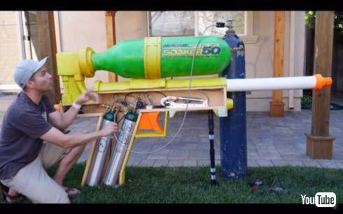 元NASAエンジニアの巨大水鉄砲