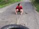 吉田沙保里の練習風景がかわいい 巨大タイヤ引きに挑戦するも内股で「きゃー!」