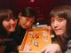 「この女子会やば」「豪華すぎる」 お寿司を囲む佐々木希&本田翼&大政絢の写真に大反響