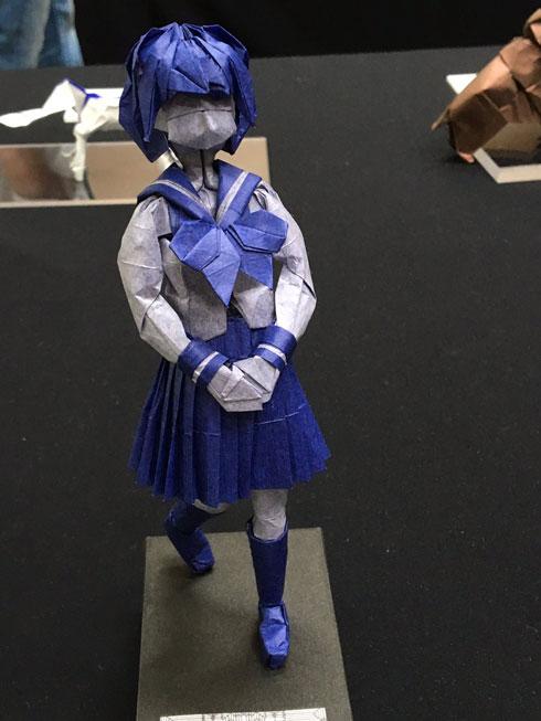 折り紙女子高生