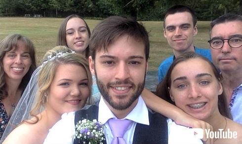 自撮り セルフィー 結婚