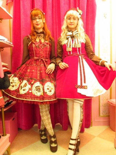 Angelic Prettyパリ店員のマリンさんとミラさん