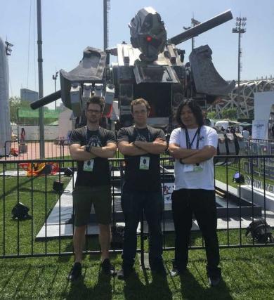 巨大ロボ トーナメント 大会 MegaBots クラウドファンディング