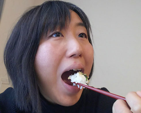 食べているところの写真