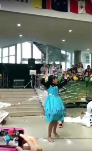 アナと雪の女王 女子小学生 口パクコンテスト エルサ レリゴー
