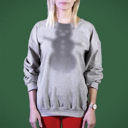パーティで着たい、圧倒的にダサいセーターがアメリカで誕生 「汗のシミ」がクリスマスツリー模様