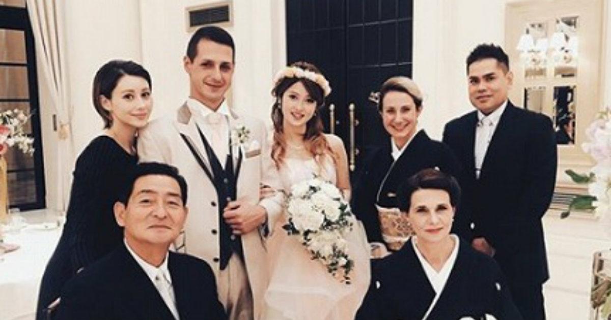 「みんな美形すぎ」 ダレノガレ明美、イケメン兄の結婚式で集まった\u201c美男美女ファミリー\u201dに驚きの声 , ねとらぼ