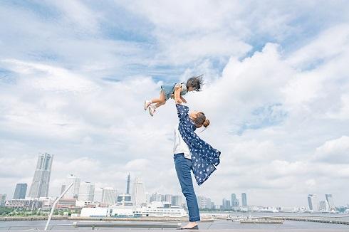 高い高い 妻 娘 写真