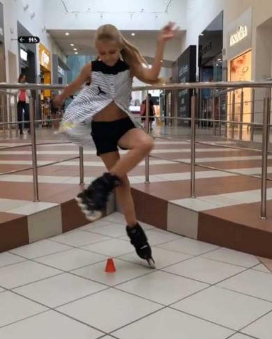 ローラースケート 女の子 うまい すごい プロ Sofia Bogdanova