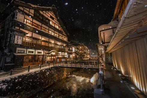 山形県 銀山温泉 写真 雪 奇麗
