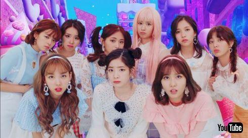 TWICE ラブライブ! 京極尚彦 MV Candy Pop 監督