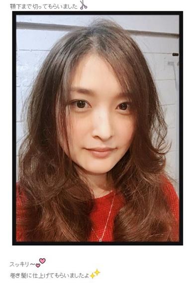石川梨華 ヘアスタイル 巻髪 モーニング娘。