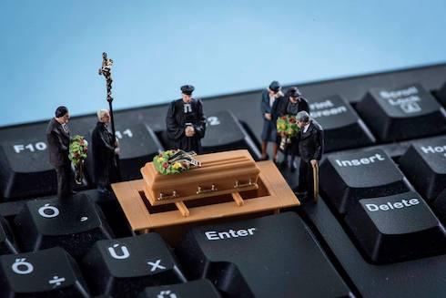 葬式のミニチュア写真