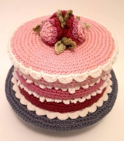 ピンクのケーキのあみぐるみ