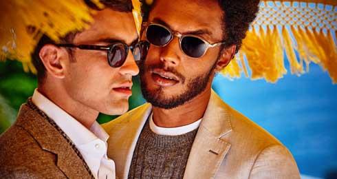男性同士のキス広告に共感と反発、数時間でフォロワー数が1万以上減少