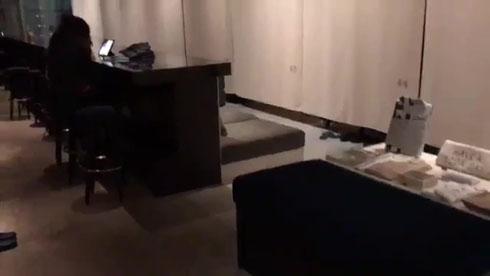 泊まれる本屋