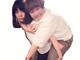 """表情逆ぅ! 近藤春菜を背負う森矢カンナ、元""""バキューム""""の2ショットがとってもシュール"""