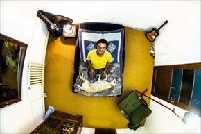 My Room 天井から覗く世界のリアル