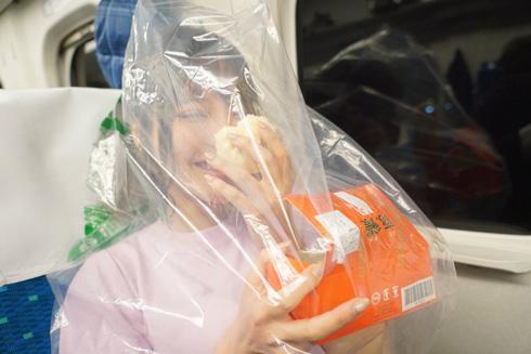 桃乃木かな 551蓬莱 豚まん 新幹線 豚まんテロ ビニール袋