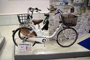 シティサイクル型の標準電動アシスト自転車「VIVI DX」