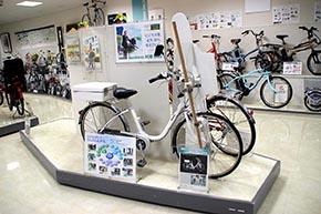 うへぇ! こんなモデルも「警視庁御用達(!)の電動パトロール自転車」