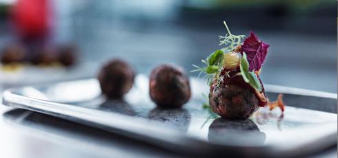 昆虫や藻が原料のファストフード IKEAのラボが提案する食の未来がイノベーティブすぎる