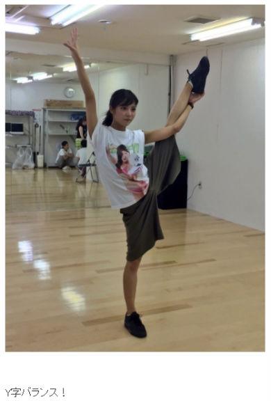 石川恋 女優 モデル 第90回選抜高校野球 センバツ 野球 チアリーディング Y字バランス