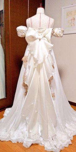 ドレスの背面