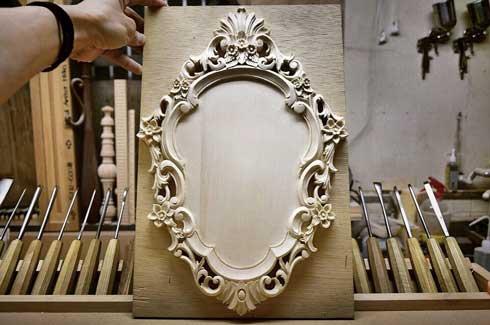 一枚の板 木彫り 洋書 ハンドメイド 家具職人