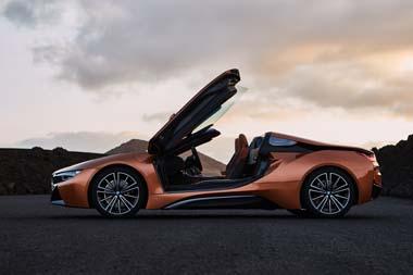 BMW i8ロードスター