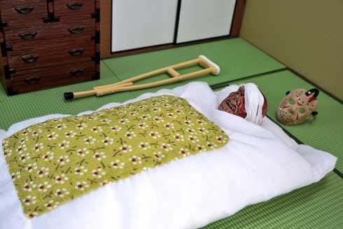 12日の木曜日 13日の金曜日 ジェイソン フィギュア 寝る