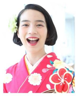 のん 桜を見る会 安倍晋三 着物 ブログ