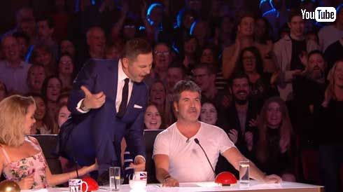 Britain's Got Talent 68歳 おばあちゃん AC/DC 歌