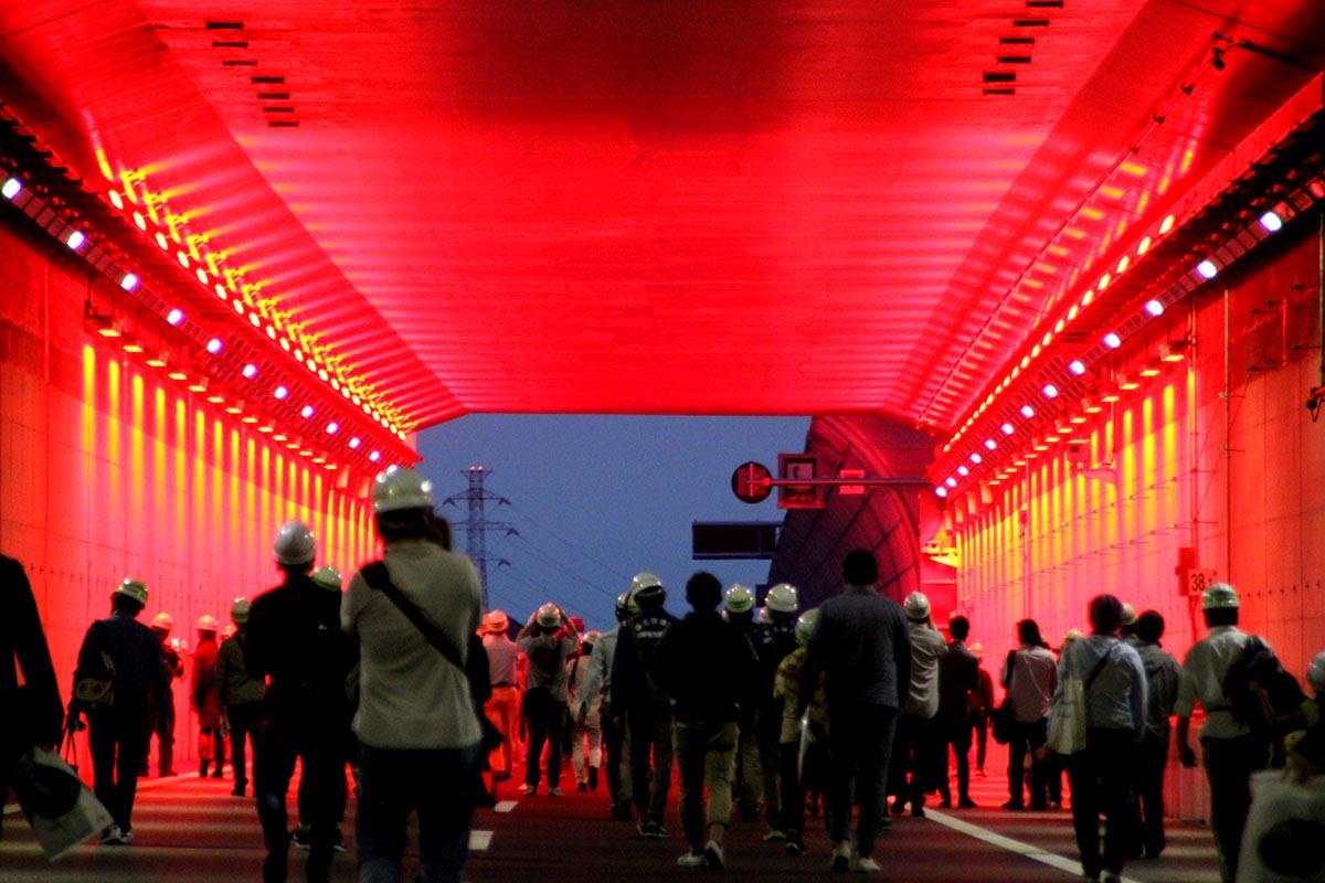 """「これがあの""""緊急避難路""""かっ!」 祝「東京外環千葉区間」開通、フツーじゃ見られない高速道路の裏側公開"""