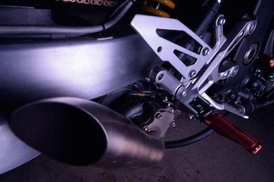 バイク 魔改造 ドラッグレース