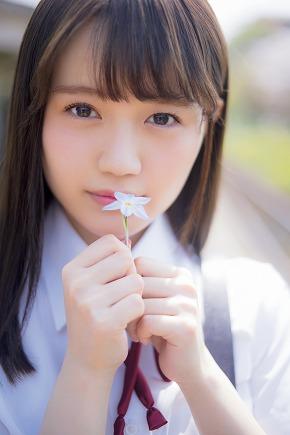 尾崎由香 週刊ビッグコミックスピリッツ 28号 サーバル けものフレンズ 制服 グラビア