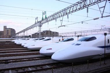 新幹線 座席 盾 取り外し 鉄道