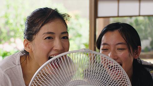 綾瀬はるか コカ・コーラ クリア CM 透明人間 夏 扇風機