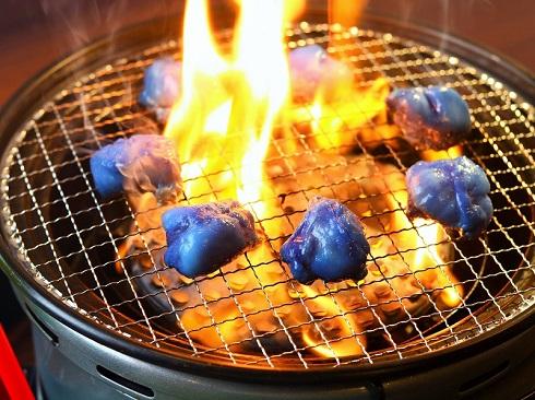 めっちゃ青い 「青い焼肉」が京...