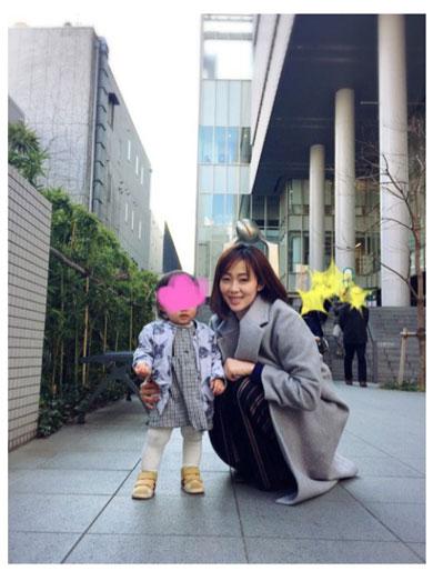 井上和香 娘 3歳 親子 関係