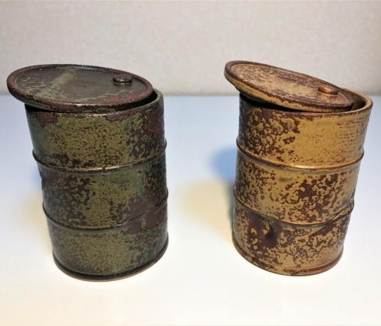 風化したドラム缶にしか見えない リアルに再現した湯飲みがヴィレヴァンオンラインに登場