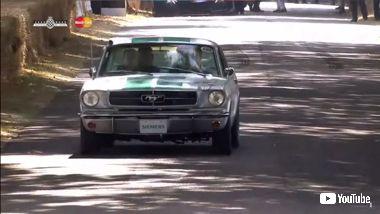 自動運転 マスタング フォード GoodWood ふらふら