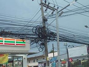 プーケットの電線
