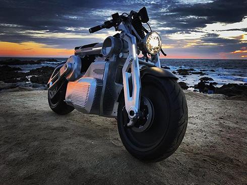 全知全能の神の名を冠する電動バイク「ZEUS