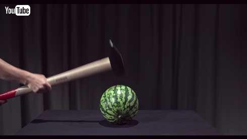 世界一スッキリしない動画 YouTube イライラ スイカ プリン ハンマー