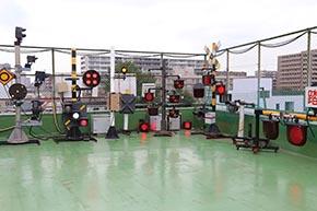 東邦電機工業の社屋屋上はこんな夢のような場所! 長期間屋外動作テストを行っている