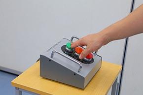 多灯形色灯信号機を操作できる訓練装置